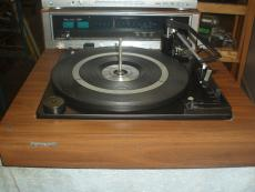 Automatic record players