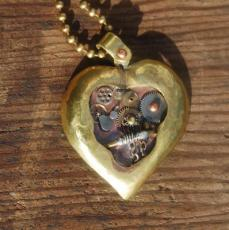 How to Clean a Heart Pendant