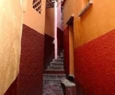 The Alley Of The Kiss (El Callejon Del Beso)