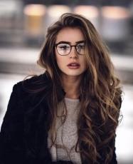 Ellie Yaash
