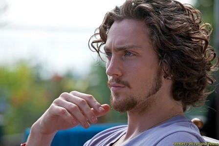 aaron_johnson_as_ben_in_savagesedit.jpg