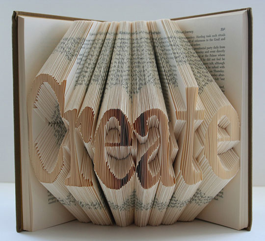 book-art-02-curatedmag.jpg